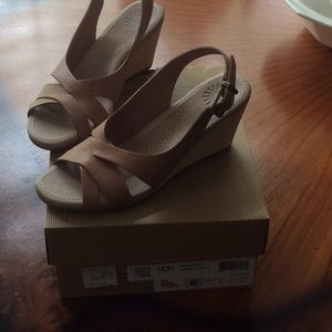 Women's UGG Wedge Sandals size 6